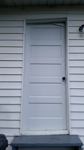 old exterior door needing to be replaced in gladstone oregon