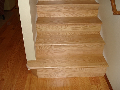 Oak floors and stairs by Bragg Construction
